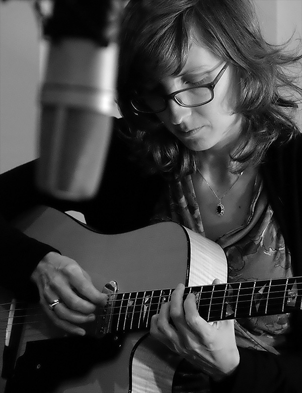Mary Halvorson. Photo by Brian Cohen.