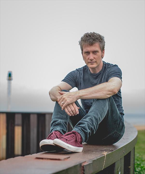 Jason Narducy. Photo by James Richards IV.