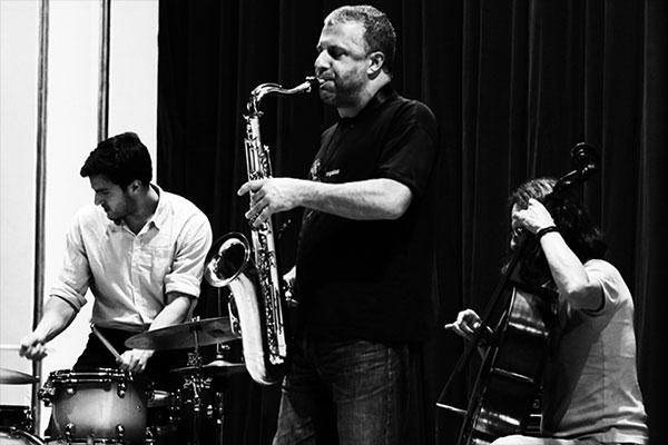 Rodrigo-Amado-Motion-Trio-by-Domokos-Zsolt-600.jpg