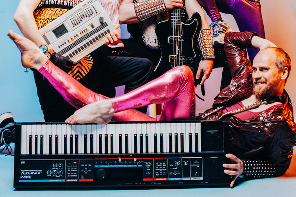 Bands looking for keyboard players
