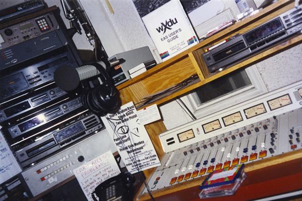 credit-Jaycie-Vos-controlroom1997-600