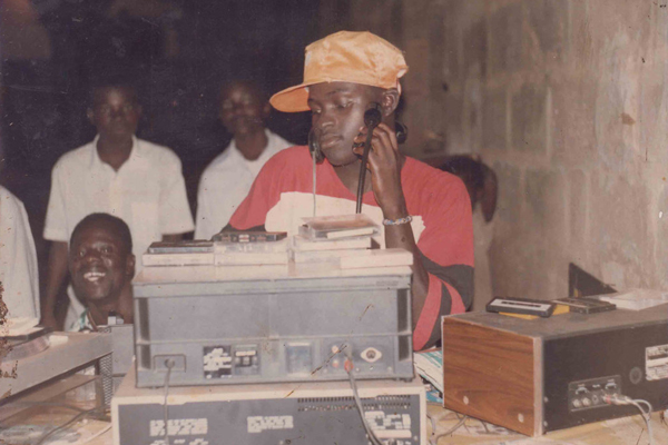 A Guide to Awesome Tapes From Africa's DIY Cassette Culture