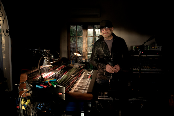 "High Scores: Daniel Lanois On Co-Scoring ""Red Dead Redemption II"""